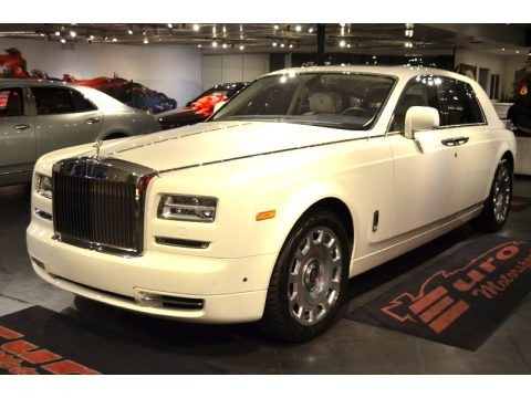Arctic White 2013 Rolls-Royce Phantom Sedan
