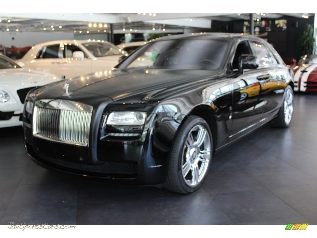 Diamond Black / Black Rolls-Royce Ghost