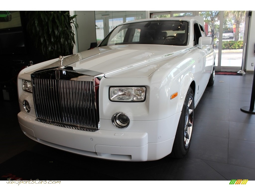 Arctic White / Blue Gray Rolls-Royce Phantom