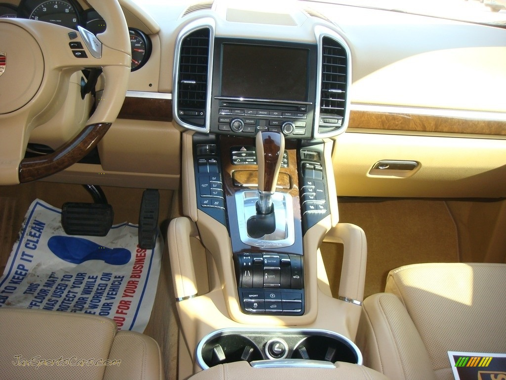 2011 Cayenne  - Sand White / Luxor Beige photo #15