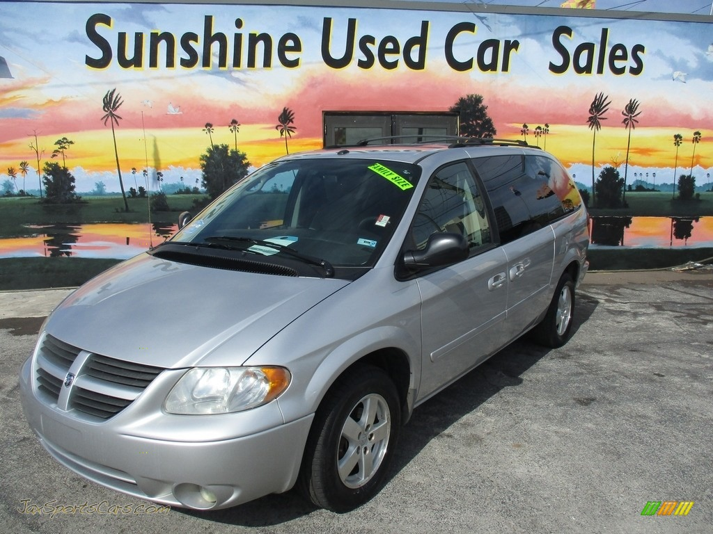 2006 Grand Caravan SXT - Bright Silver Metallic / Medium Slate Gray photo #1