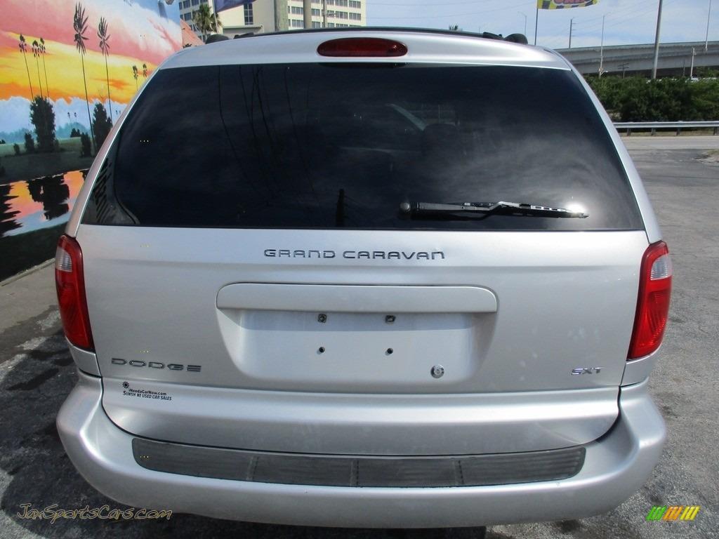 2006 Grand Caravan SXT - Bright Silver Metallic / Medium Slate Gray photo #6