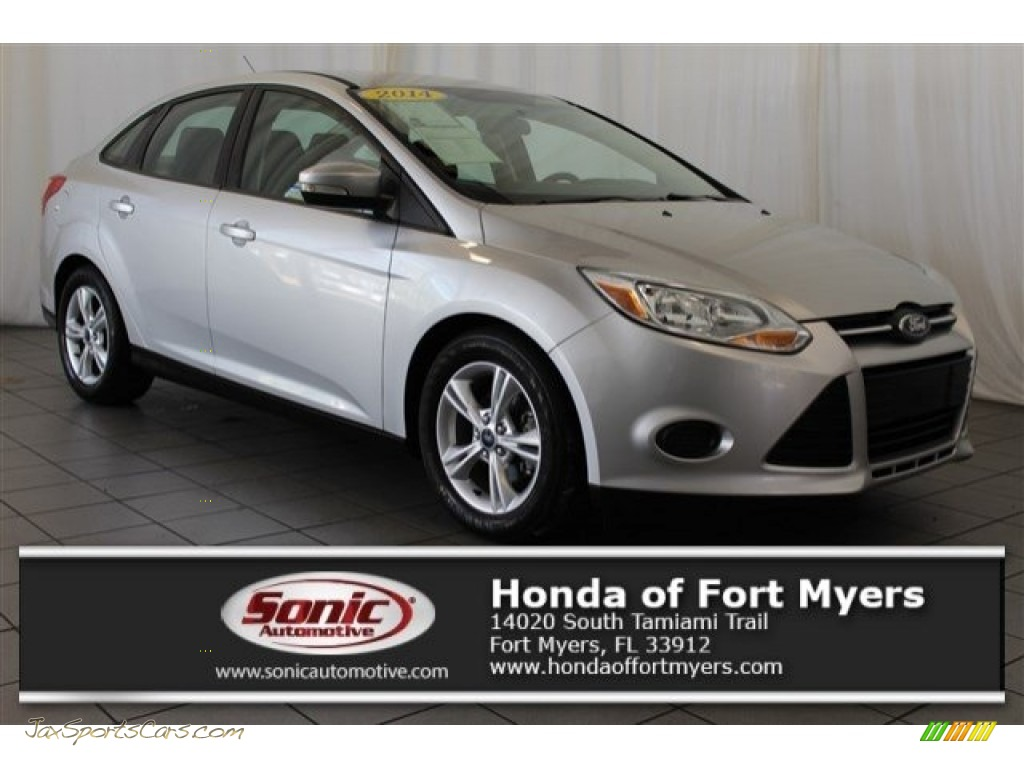 2014 Focus SE Sedan - Ingot Silver / Charcoal Black photo #1