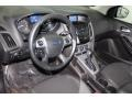 Ford Focus SE Sedan Ingot Silver photo #15