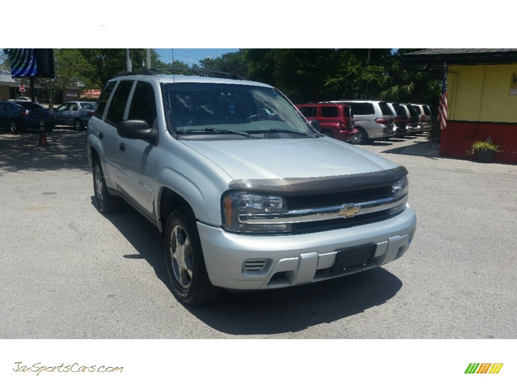 2007 TrailBlazer LS 4x4 - Moondust Metallic / Light Gray photo #1