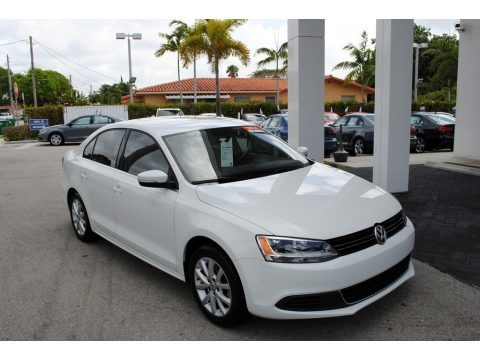 Pure White 2014 Volkswagen Jetta SE Sedan