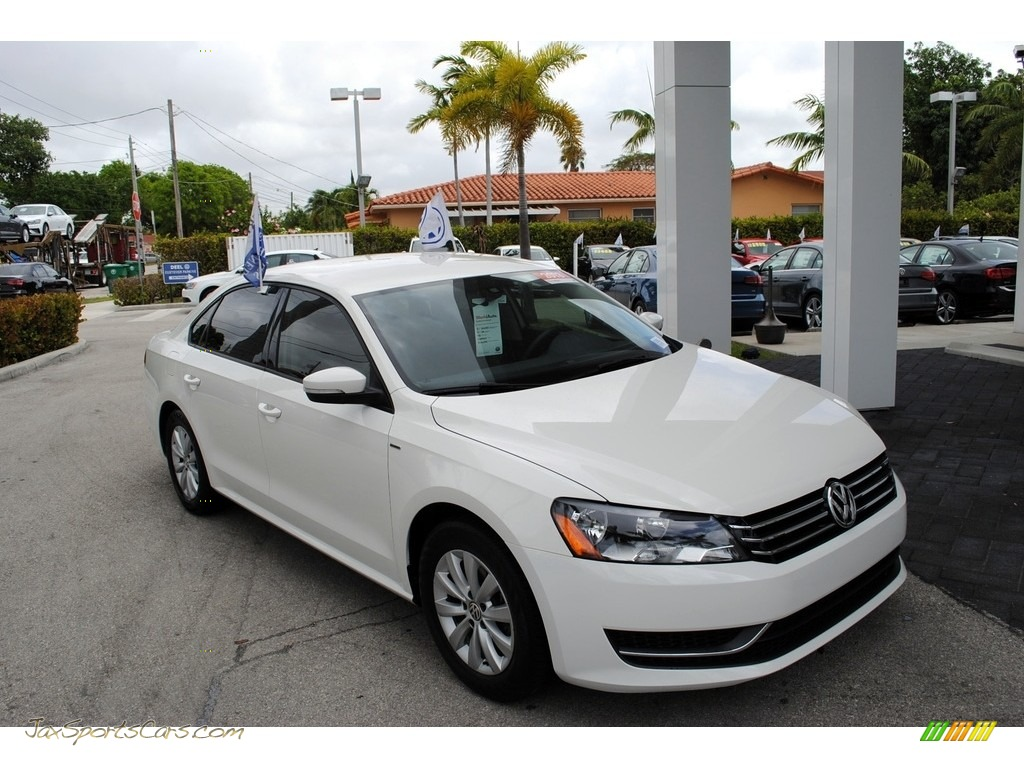 2013 Passat 2.5L Wolfsburg Edition - Candy White / Titan Black photo #1