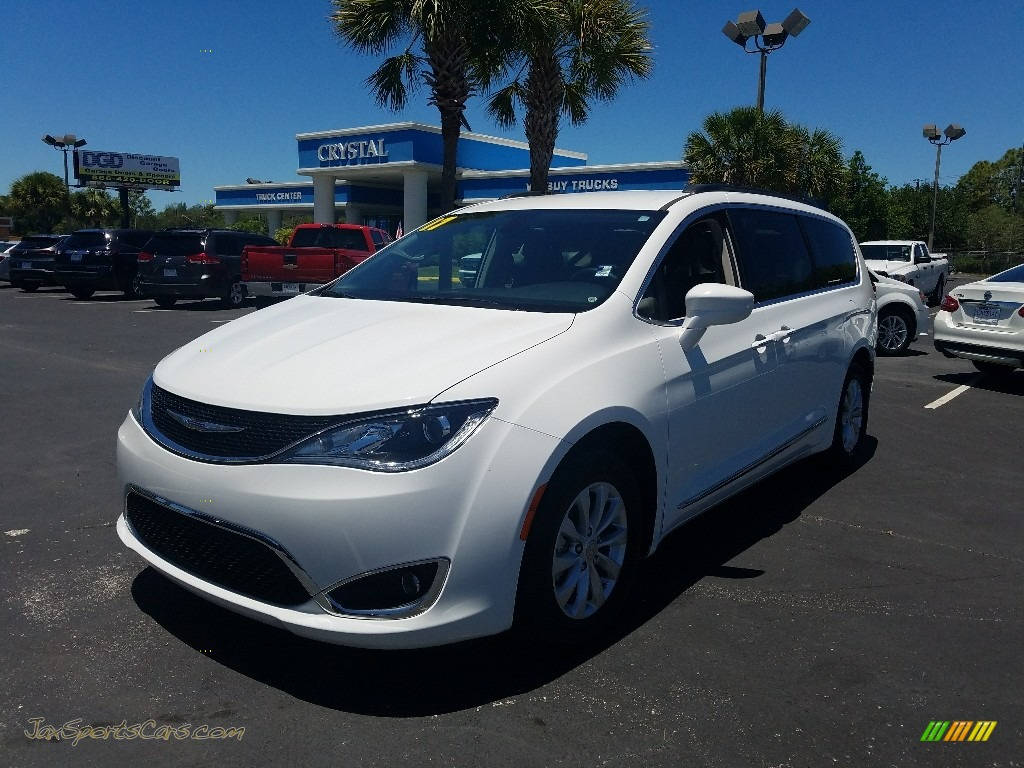 2017 Pacifica Touring L - Bright White / Black/Alloy photo #1