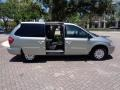 Chrysler Town & Country LX Butane Blue Pearlcoat photo #23