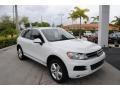 Volkswagen Touareg V6 Lux 4Motion Pure White photo #1