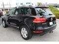 Volkswagen Touareg V6 Lux 4Motion Black photo #6