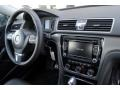 Volkswagen Passat 2.5L SE Platinum Gray Metallic photo #18