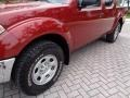 Nissan Frontier SE Crew Cab 4x4 Red Brawn photo #37