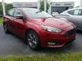 Ford Focus SE Sedan Ruby Red photo #5