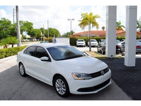 Pure White 2014 Volkswagen Jetta SE Sedan