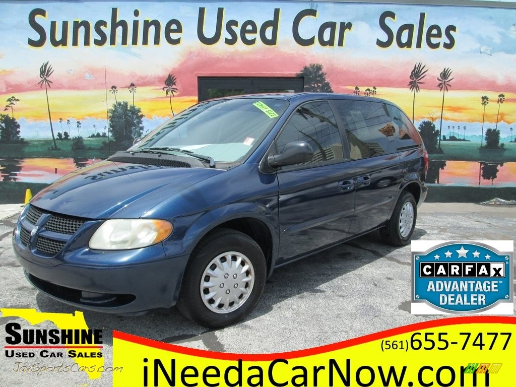Patriot Blue Pearl / Sandstone Dodge Caravan SE