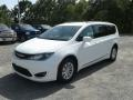 Chrysler Pacifica Touring L Bright White photo #1