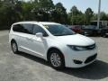 Chrysler Pacifica Touring L Bright White photo #7