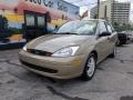 Ford Focus SE Sedan Fort Knox Gold Metallic photo #2