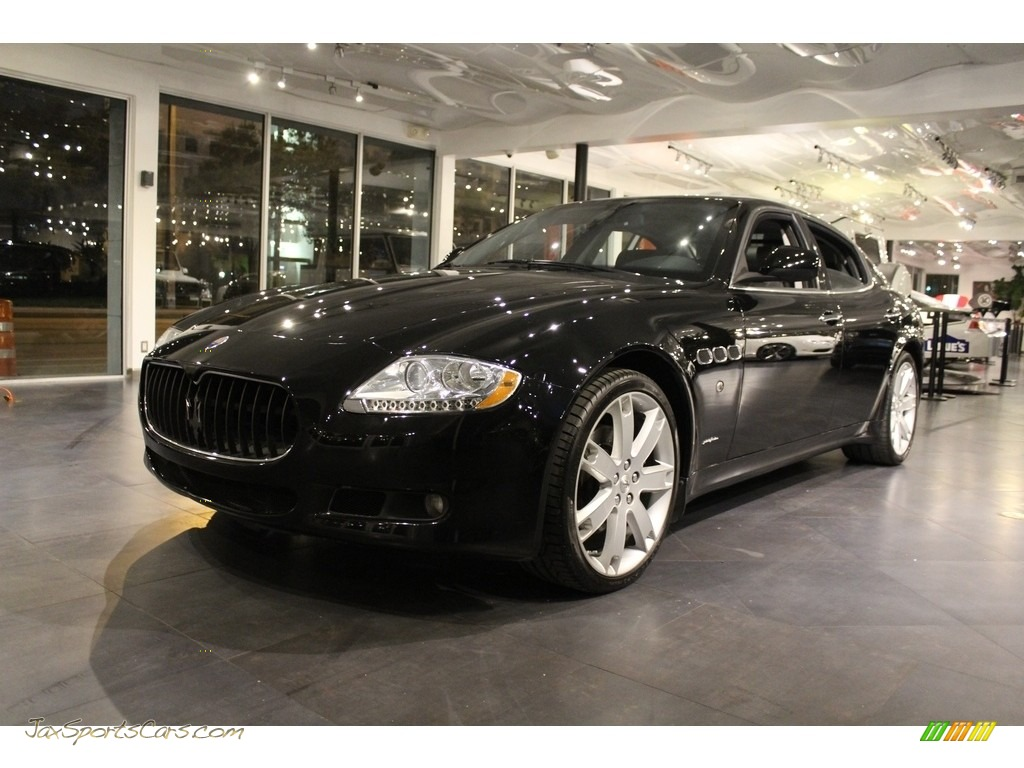 2010 Quattroporte  - Nero (Black) / Nero photo #1