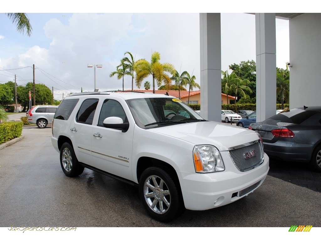 Summit White / Cocoa/Light Cashmere GMC Yukon Denali AWD