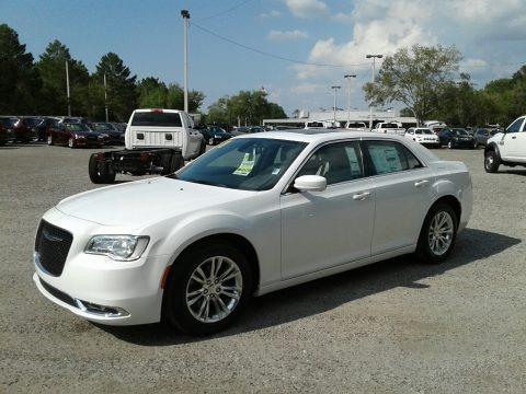 Bright White 2018 Chrysler 300 Touring