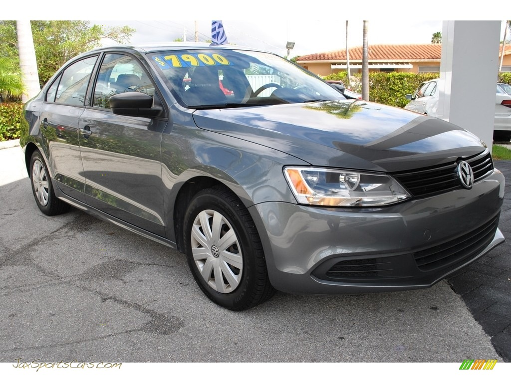 2013 Jetta S Sedan - Platinum Gray Metallic / Titan Black photo #2