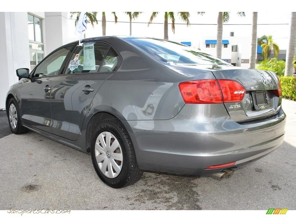 2013 Jetta S Sedan - Platinum Gray Metallic / Titan Black photo #7