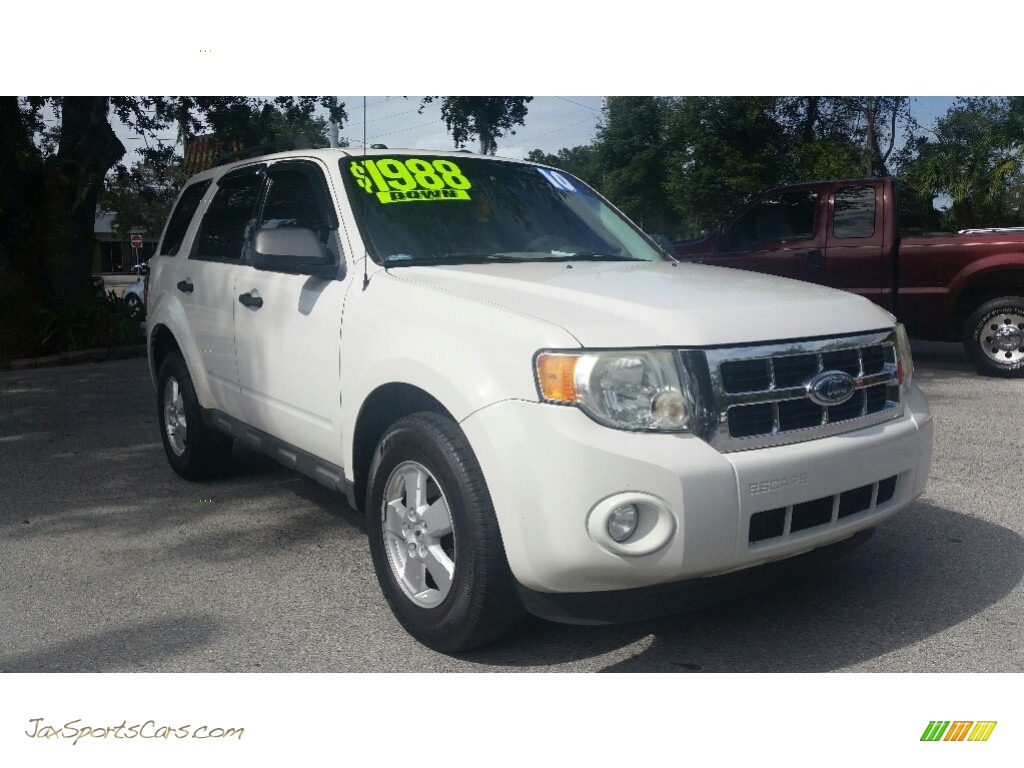 2010 Escape XLT V6 - Oxford White / Stone photo #1