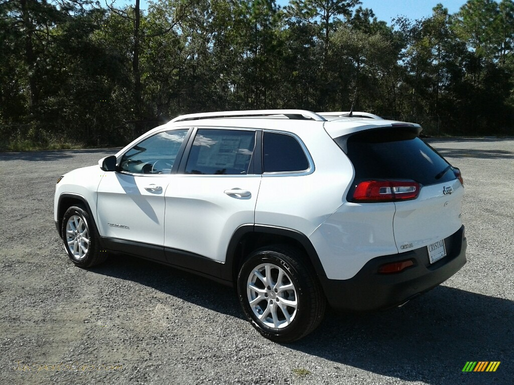 2018 Cherokee Latitude Plus - Bright White / Black photo #3