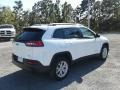 Jeep Cherokee Latitude Plus Bright White photo #5