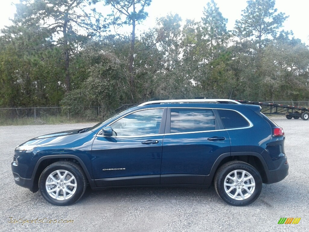 2018 Cherokee Latitude Plus - Patriot Blue Pearl / Black photo #2