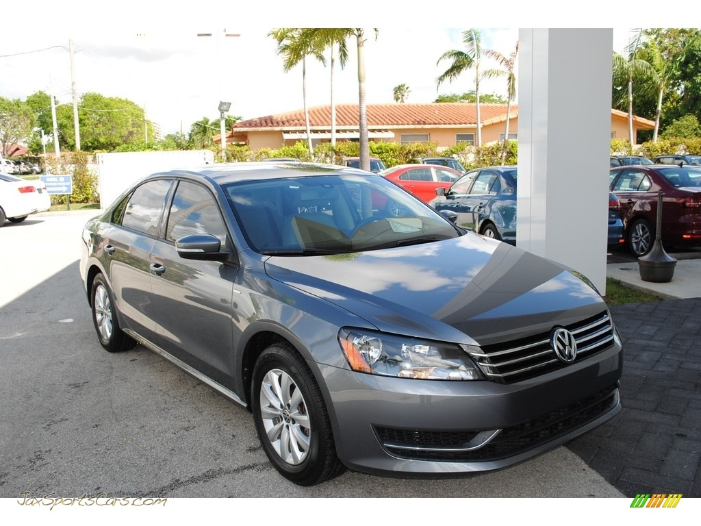2015 Passat Wolfsburg Edition Sedan - Platinum Gray Metallic / Moonrock Gray photo #1