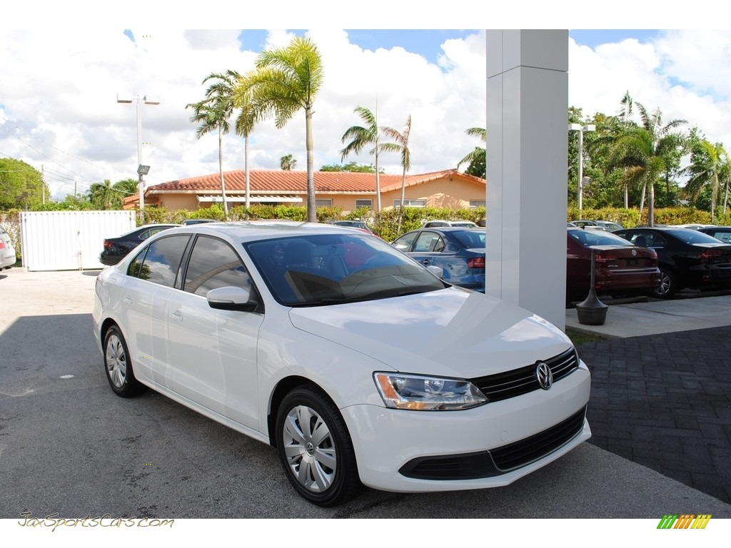 2013 Jetta SE Sedan - Candy White / Titan Black photo #1
