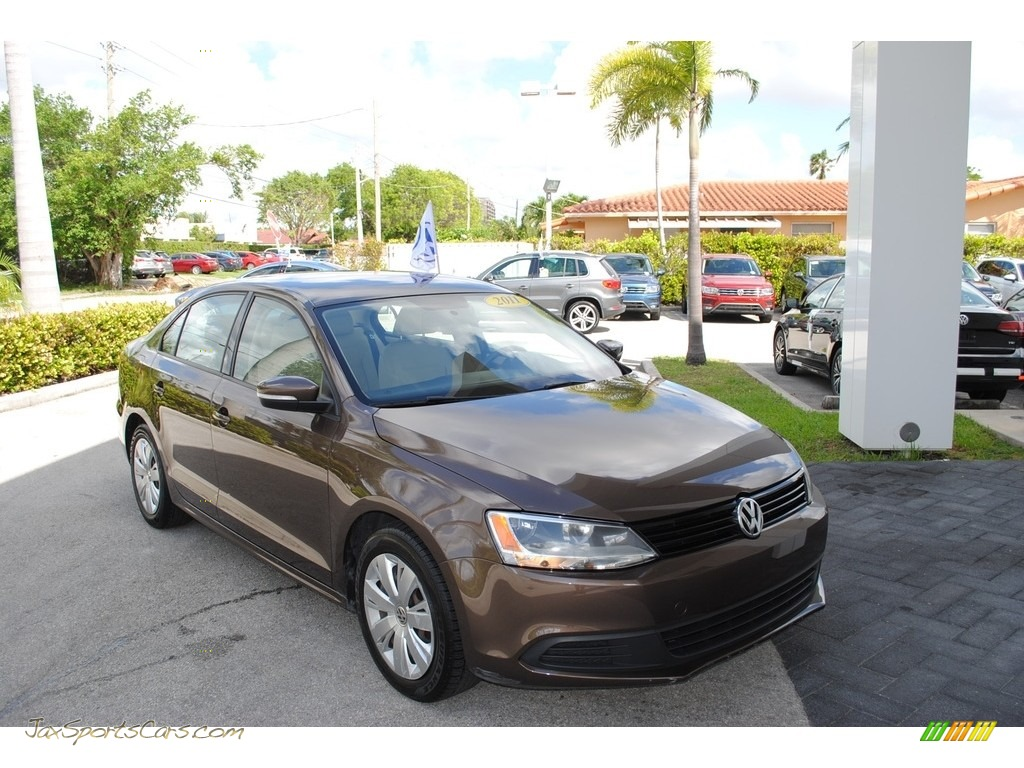 2011 Jetta SE Sedan - Toffee Brown Metallic / Cornsilk Beige photo #1