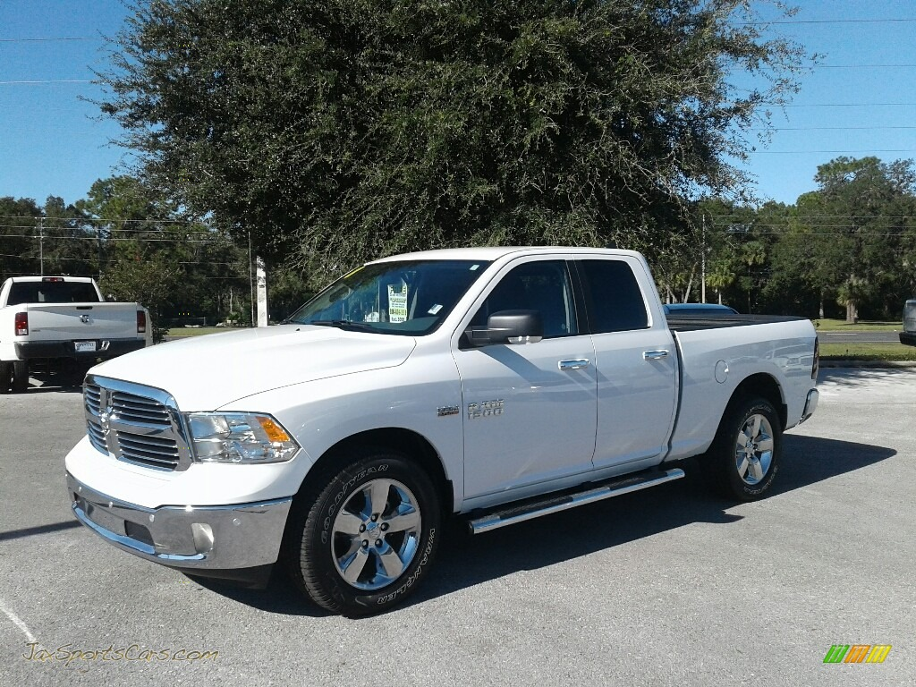 2018 1500 Big Horn Crew Cab - Bright White / Black/Diesel Gray photo #1
