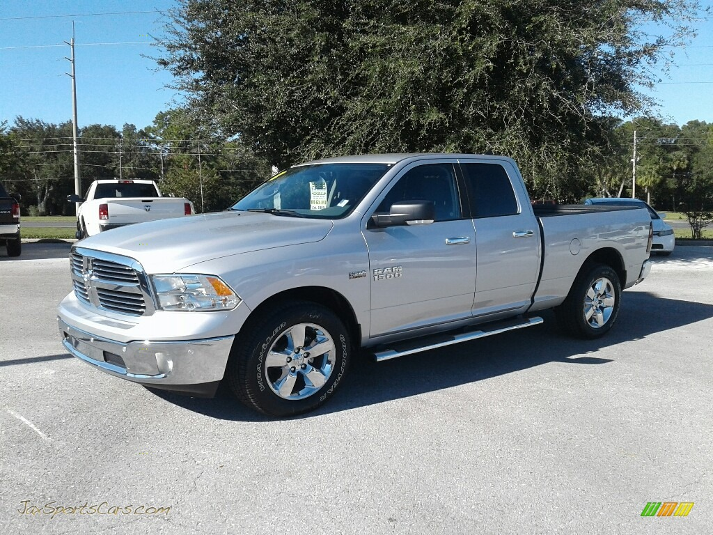 2018 1500 Big Horn Crew Cab - Bright Silver Metallic / Black/Diesel Gray photo #1