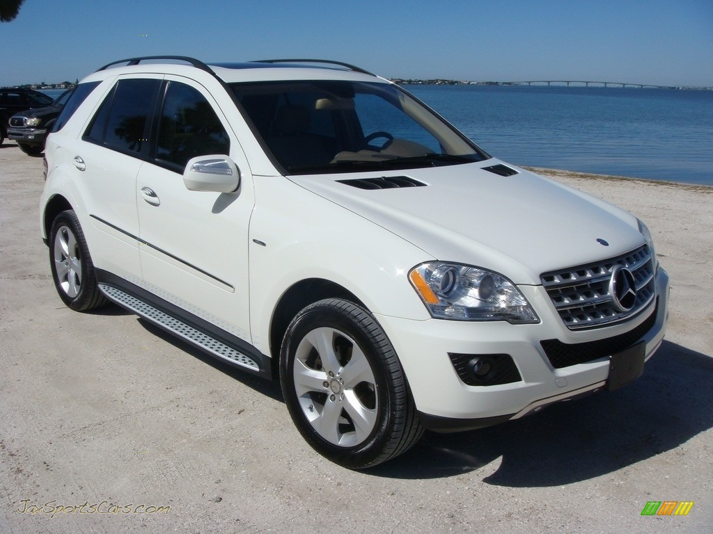 Arctic White / Cashmere Mercedes-Benz ML 320 BlueTec 4Matic