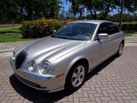 Platinum Metallic 2000 Jaguar S-Type 3.0