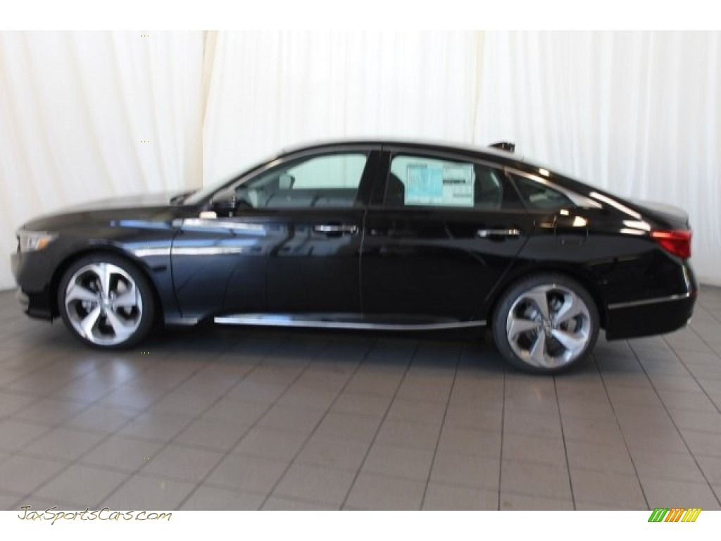 2018 Accord Touring Sedan - Crystal Black Pearl / Black photo #5