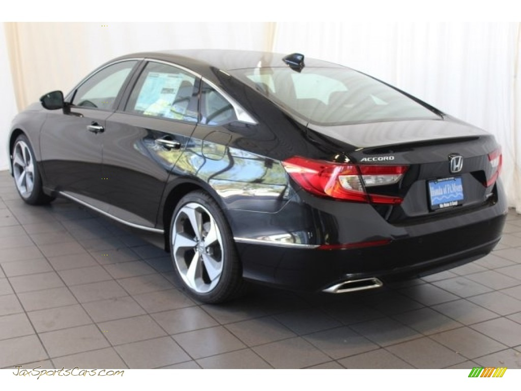 2018 Accord Touring Sedan - Crystal Black Pearl / Black photo #6