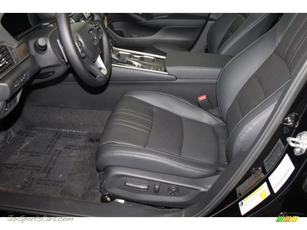 2018 Accord Touring Sedan - Crystal Black Pearl / Black photo #12