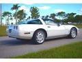 Chevrolet Corvette Coupe Arctic White photo #3