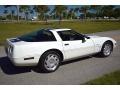 Chevrolet Corvette Coupe Arctic White photo #14