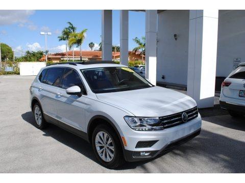 White Silver Metallic 2018 Volkswagen Tiguan SE