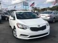 Kia Forte LX Sedan Snow White Pearl photo #1