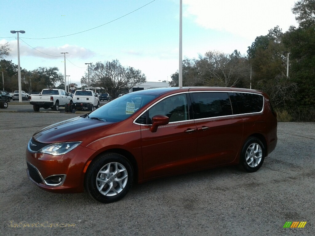 2018 Pacifica Touring Plus - Copper Pearl / Black/Alloy photo #1