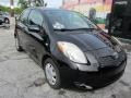 Toyota Yaris 3 Door Liftback Black Sand Pearl photo #4