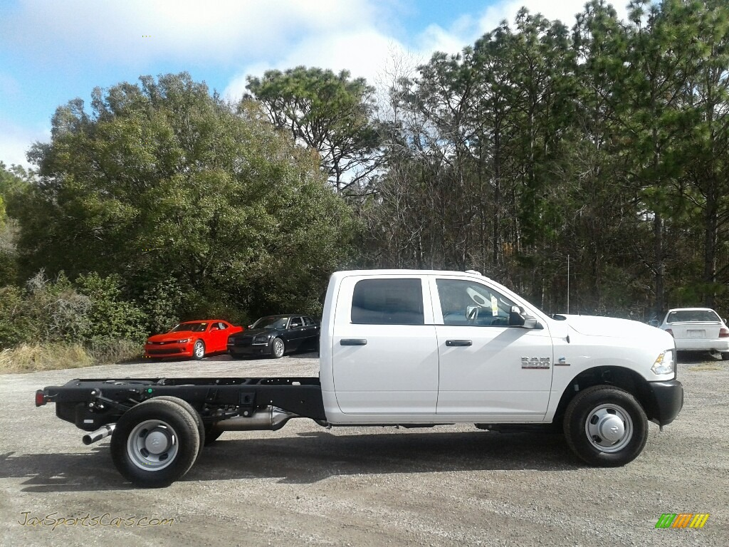 2018 3500 Tradesman Crew Cab 4x4 Chassis - Bright White / Black/Diesel Gray photo #6