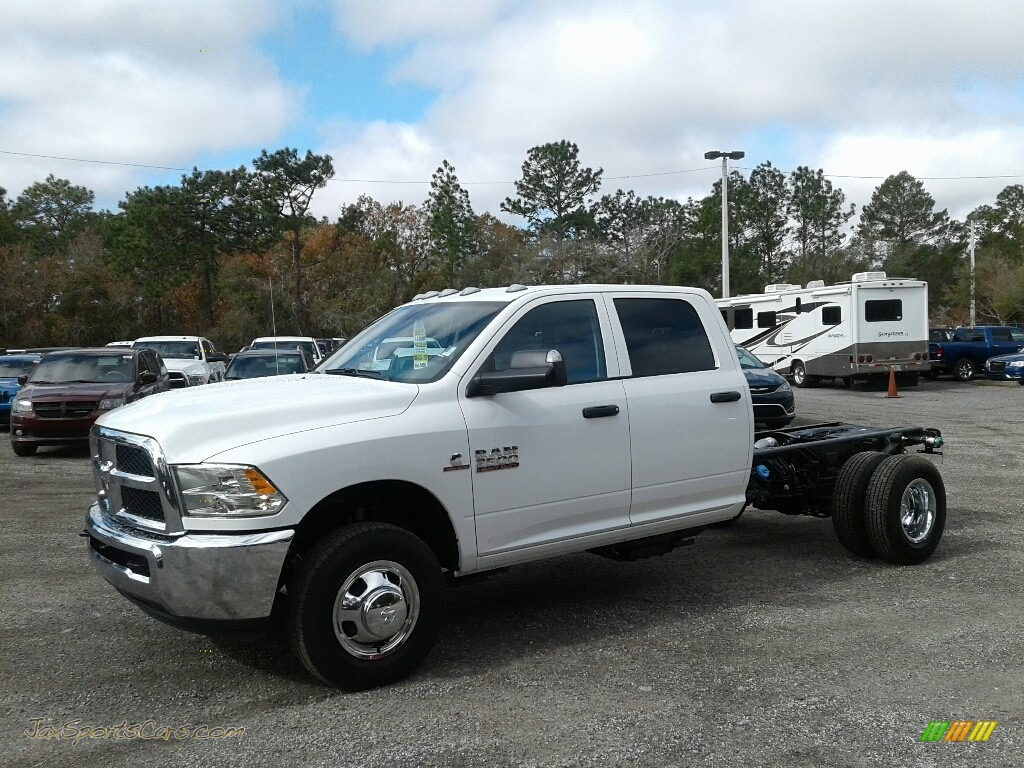 2018 3500 Tradesman Crew Cab 4x4 Chassis - Bright White / Black/Diesel Gray photo #1